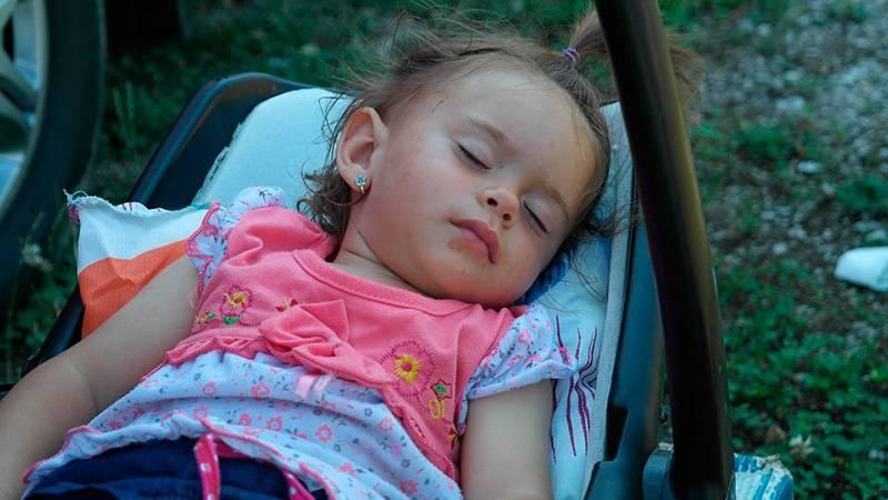 dormir la siesta en los niños
