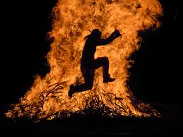 salto de la hoguera, ritual
