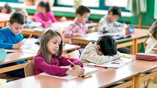 No dormir lo suficiente afecta al rendimiento escolar de los niños