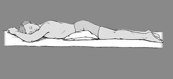 No es aconsejable dormir boca abajo